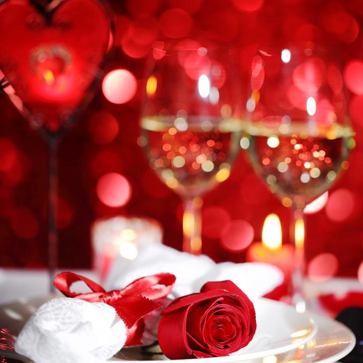 dresser-une-table-romantique-11072419jeckj