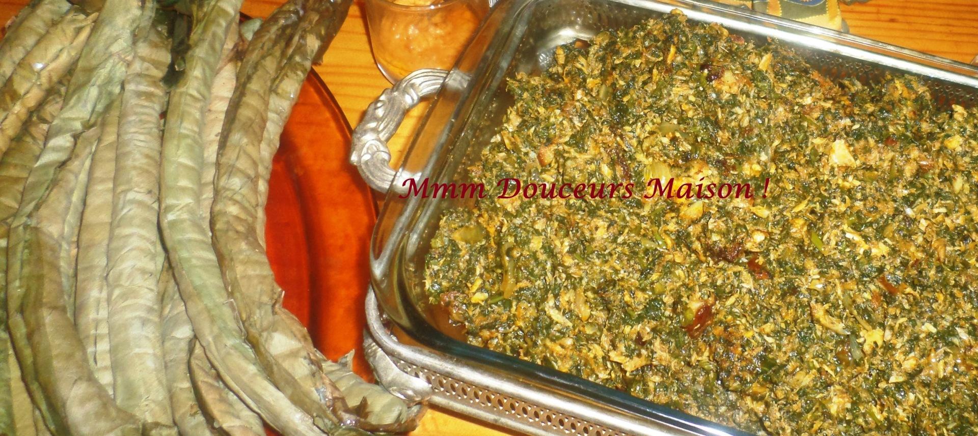 Plat Du Jour Legumes Verts Sautes Au Poisson Fume Et Batons De Manioc