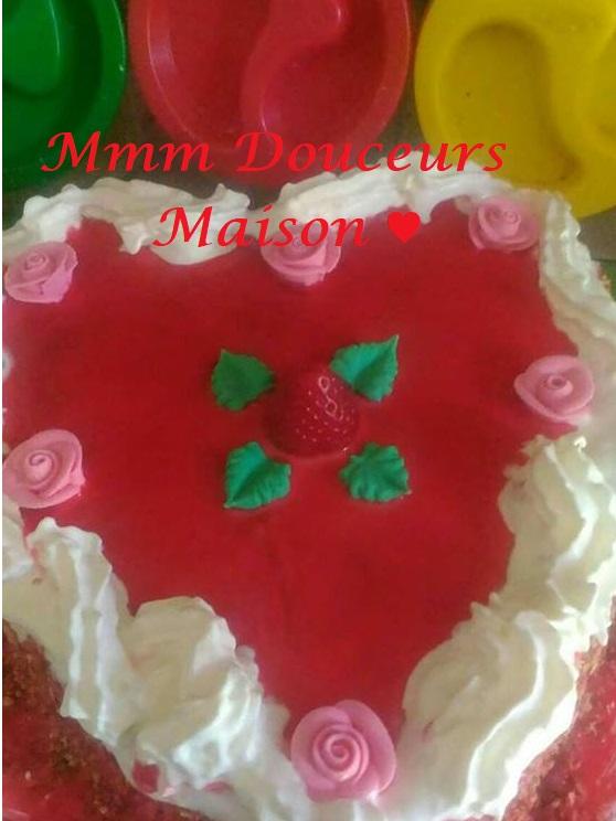 Gâteau coeur aux fraise 3.jpg
