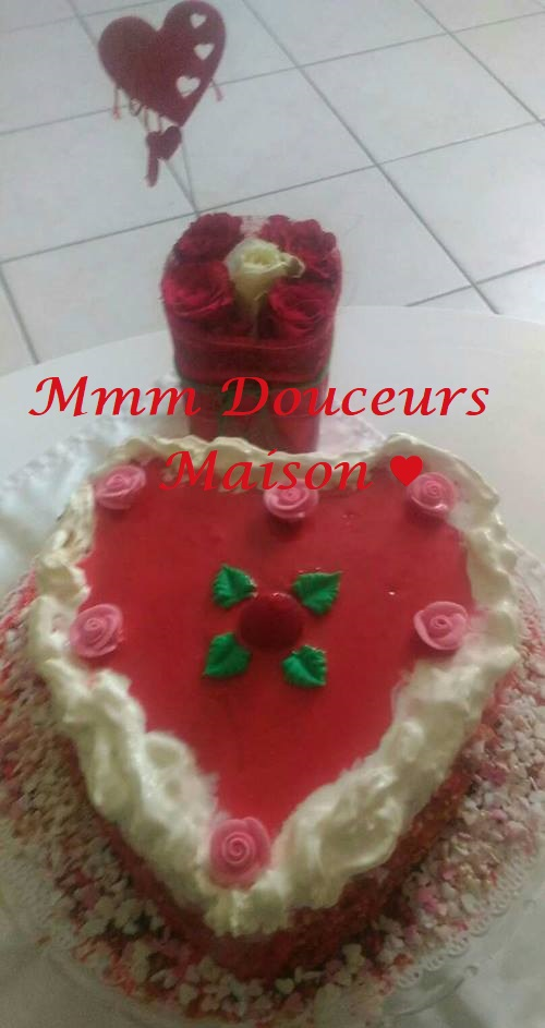 Gâteau coeur aux fraises 2 - Copie - Copie