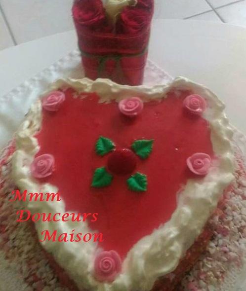 Gâteau coeur aux fraises 2
